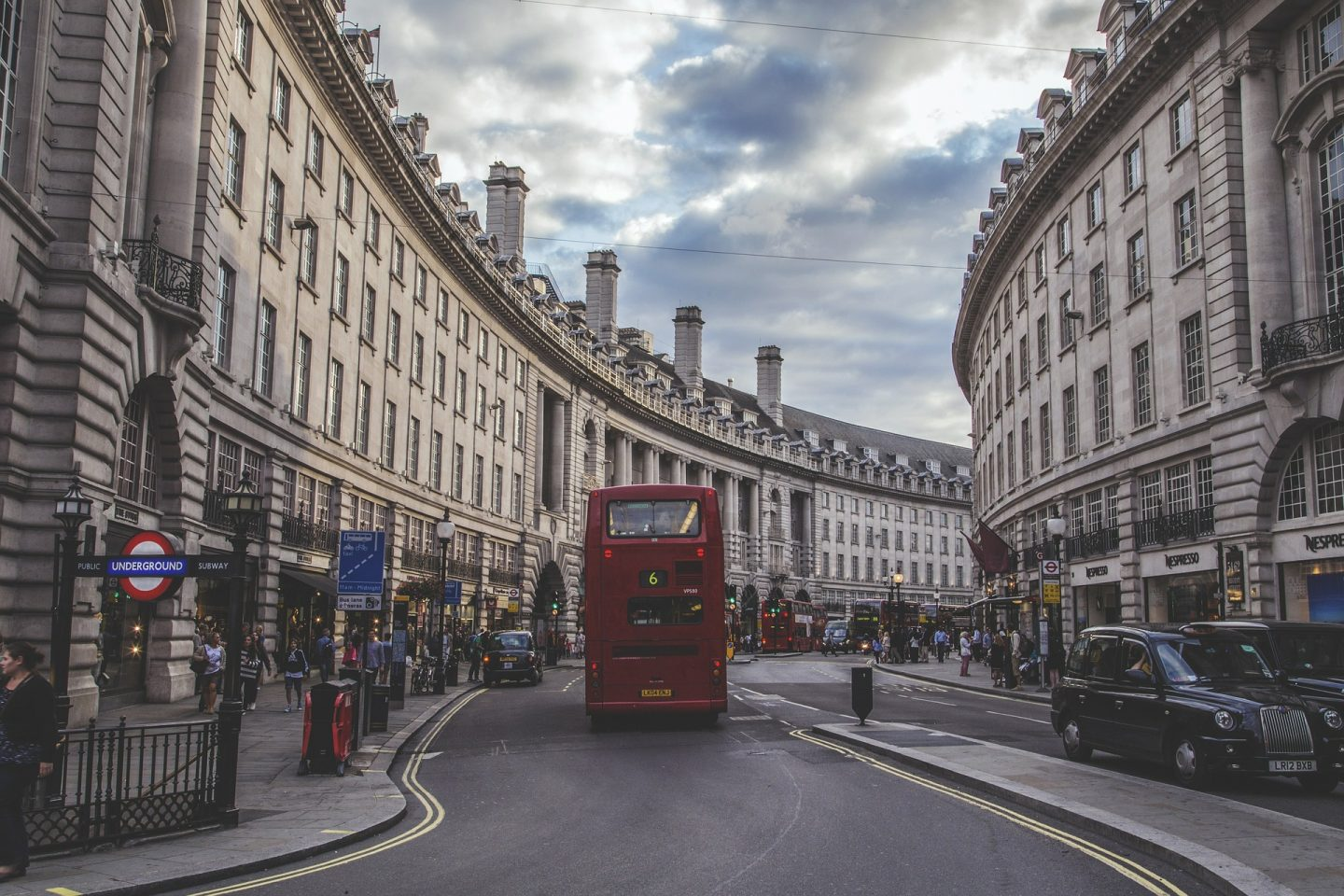 haunted hotels in england - london